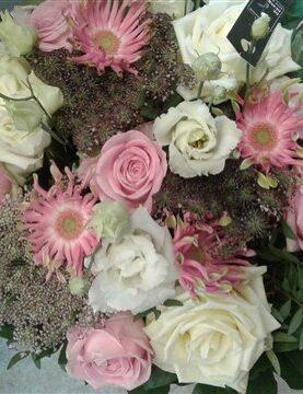 BOEKET 10 : gemengd wit+roos